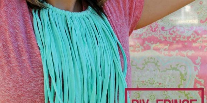 Crea tu propio collar tnico con plumas casero - Como hacer alfombras con trapillo ...