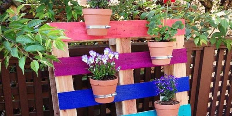 5 ideas de muebles hechos con palets for Como decorar una jardinera