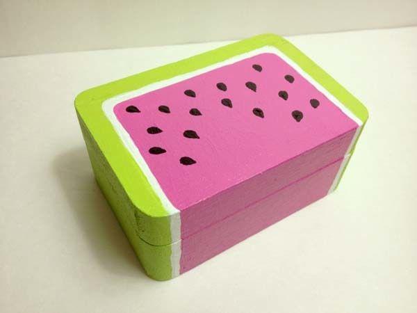 ideas originales para decorar cajas de cart n. Black Bedroom Furniture Sets. Home Design Ideas