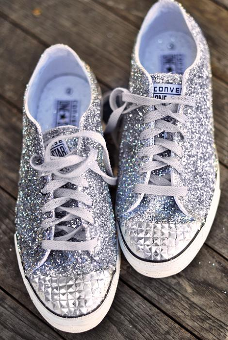 decorar-zapatos-sneakers-tachas-purpurina