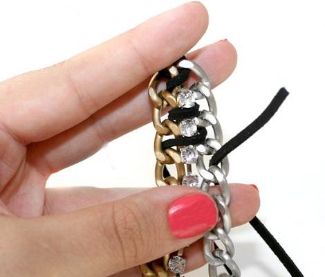 hacer-pulsera-de-cadenas-y-strass-3