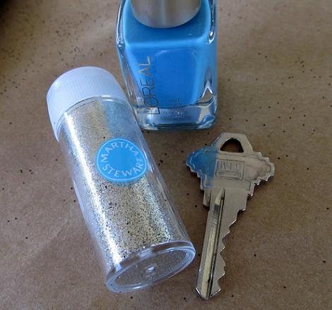 manualidad-para-personalizar-tus-llaves-1