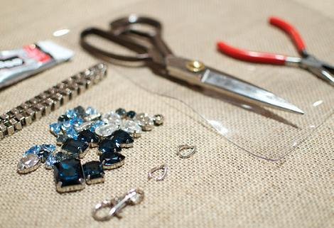 hacer-collar-babero-con-cristales-1