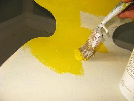 pintar-silla-amarillo