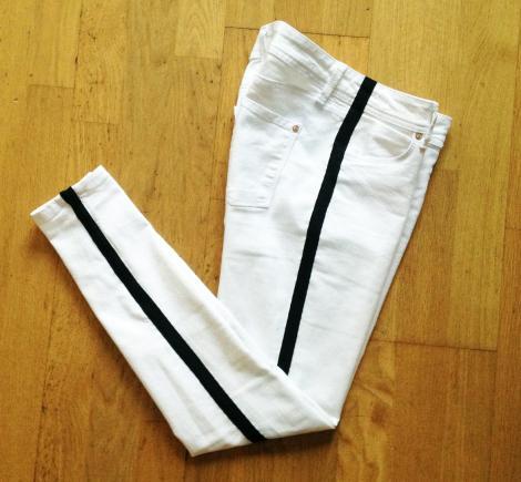 pantalones de moda con banda lateral