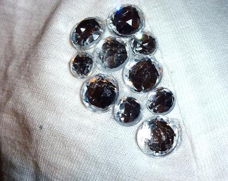 personalizar-camisetas-con-piedras-3