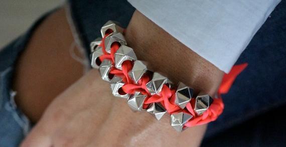 pulseras de moda con tuercas paso a paso