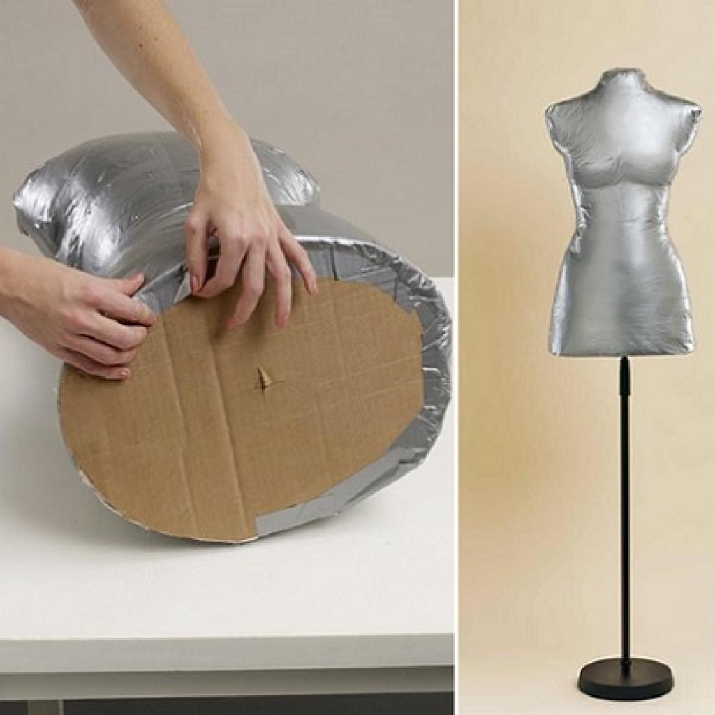 hacer-maniqui-casero-ropa-carton