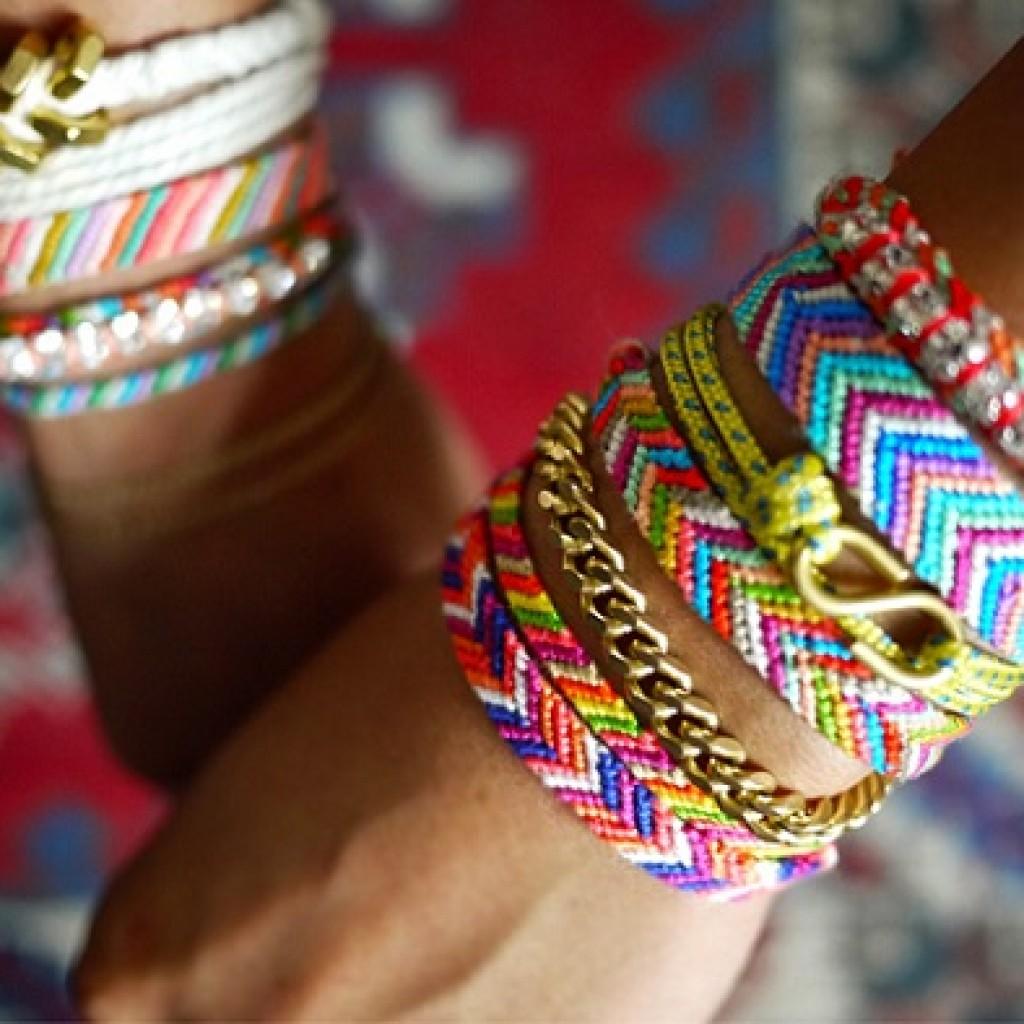 como-hacer-pulseras-hilo-colores