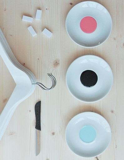 decorar perchas madera pintura materiales
