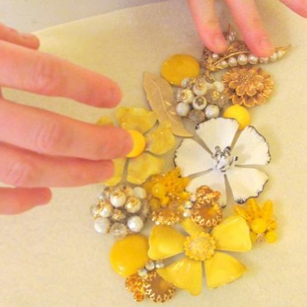 collar-flores-casero-broches