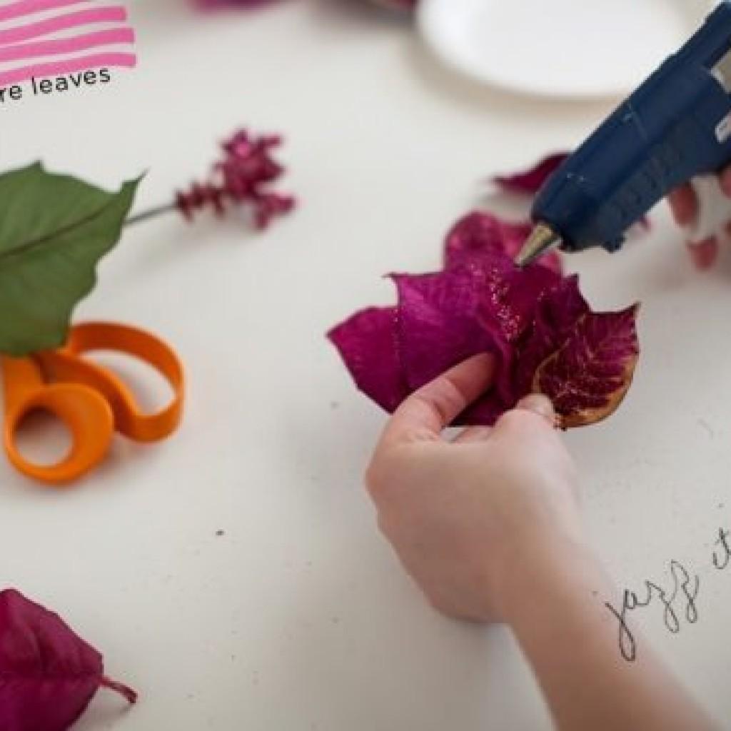 como-hacer-tocado-floral-casero-pegar
