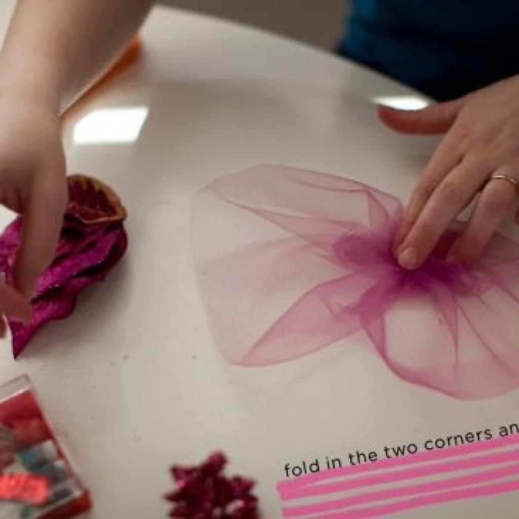 como-hacer-tocado-floral-casero-tul