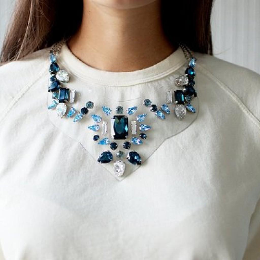 collar-transparente-pedreria
