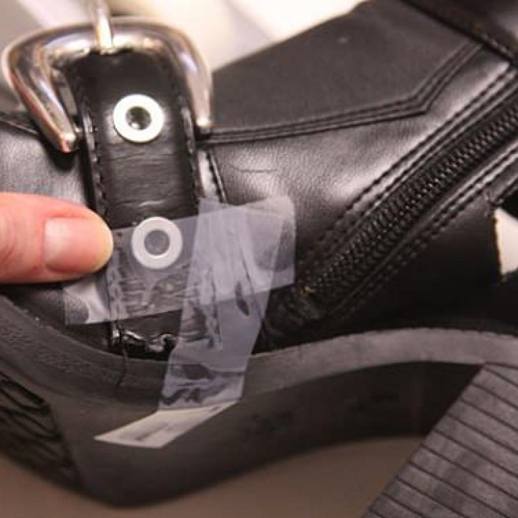 como-hacer-cut-out-boots-pegamento