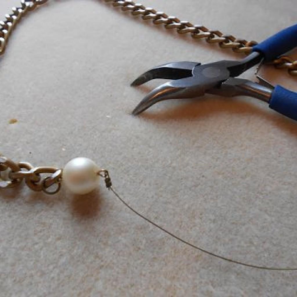 como-hacer-un-collar-perlas-alambre