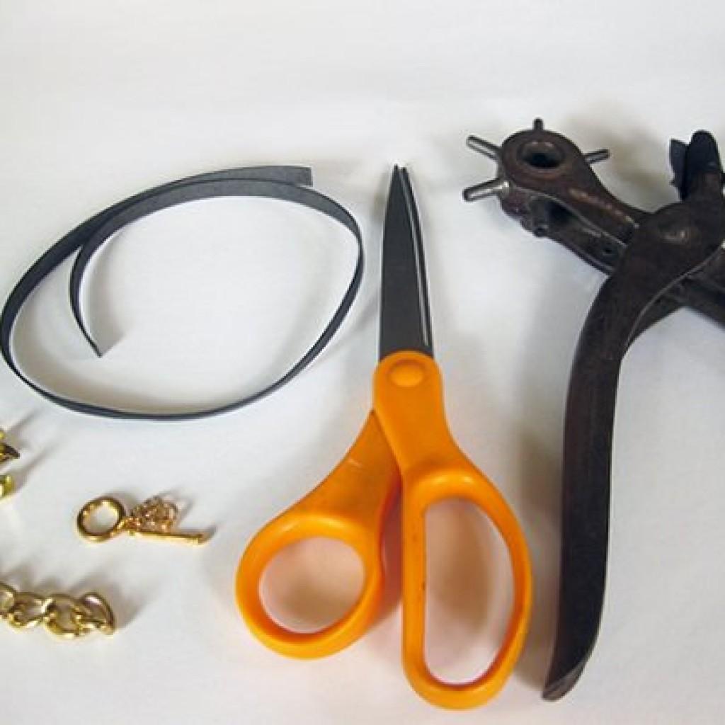 pulsera-cuero-eslabones-materiales