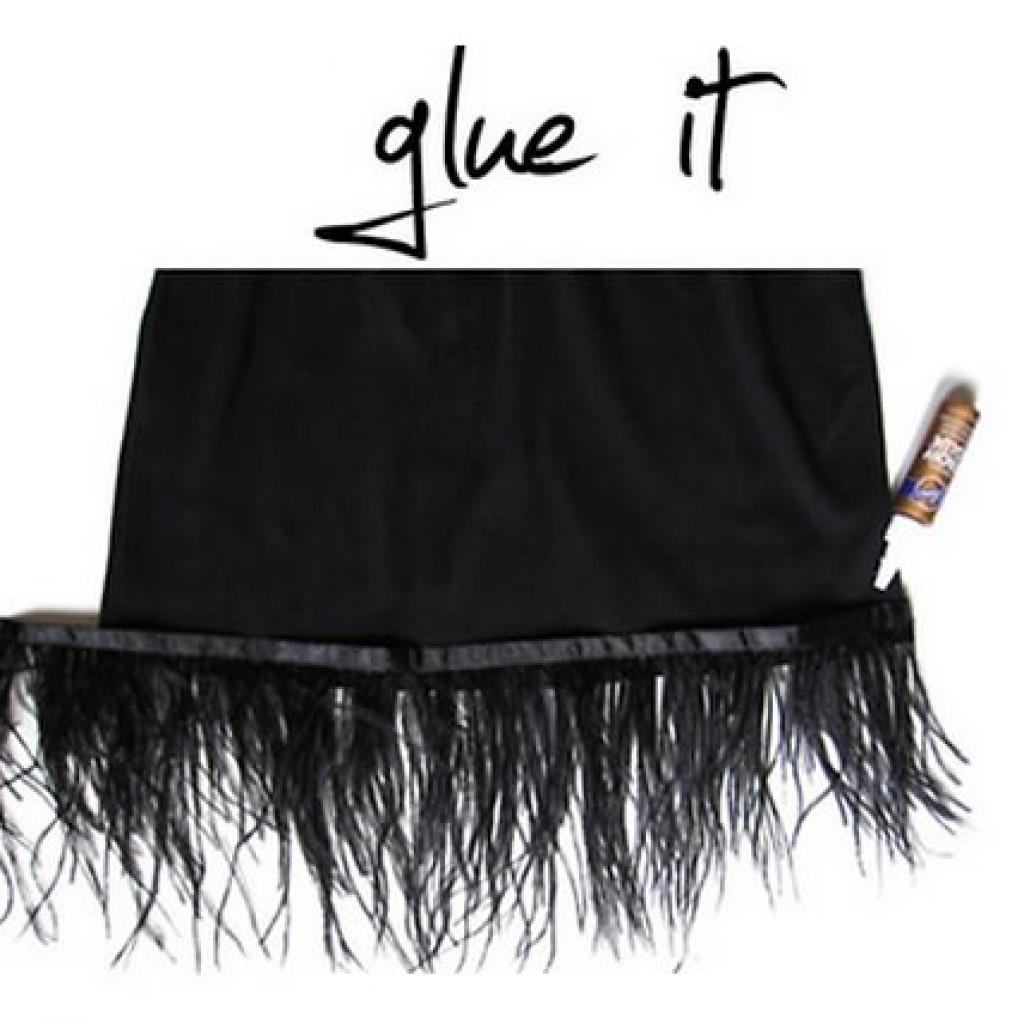 hacer-falda-plumas-fiesta-casera-pegar