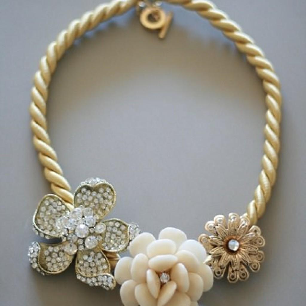 collar-reciclado-flores-diy-pegar