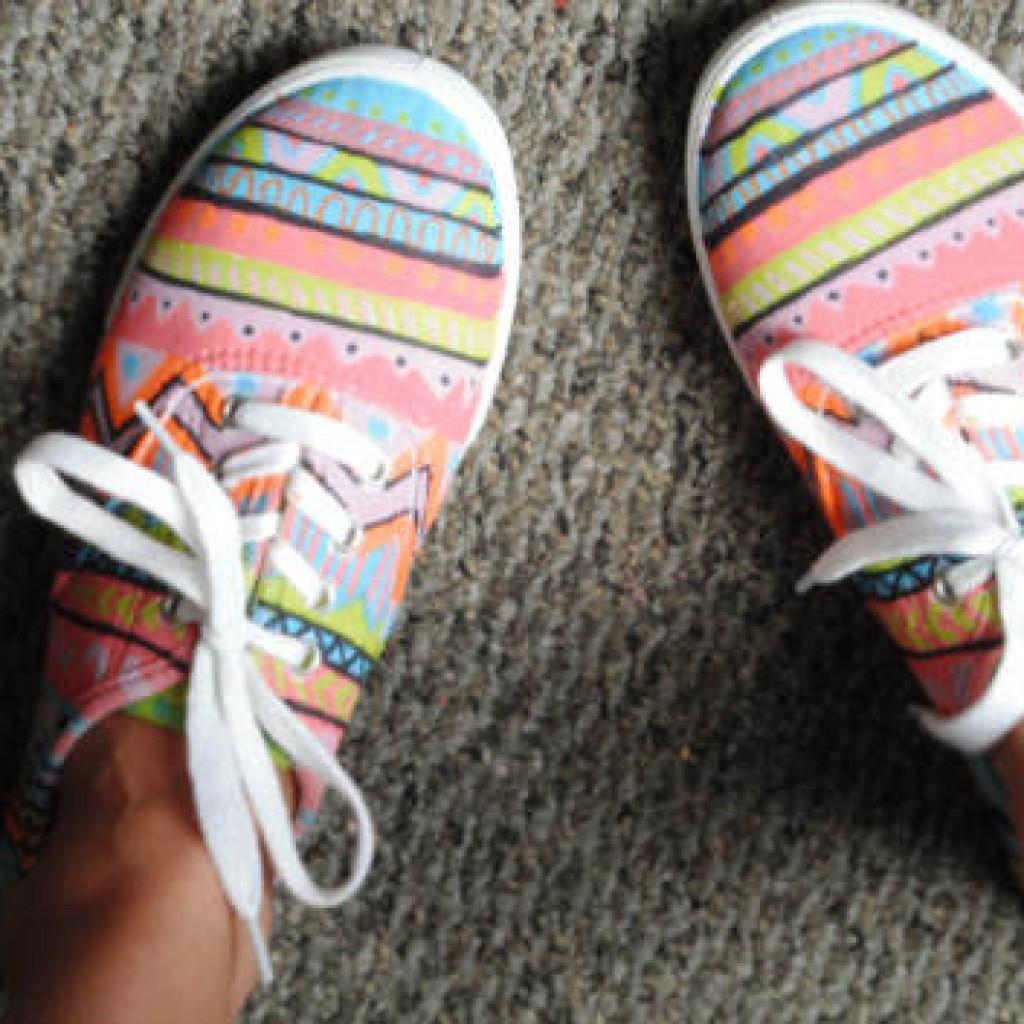 decorar-zapatillas-deportivas-etnicas