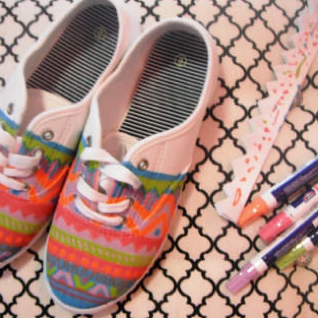 decorar-zapatillas-deportivas-etnicas-pintar