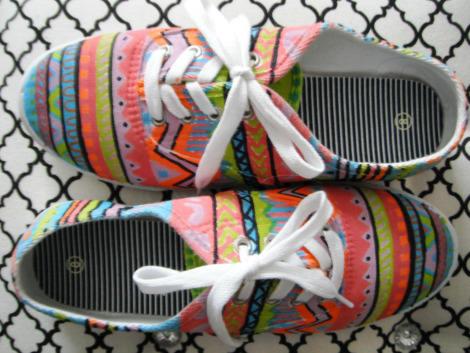 zapatillas de dibujos étnicos