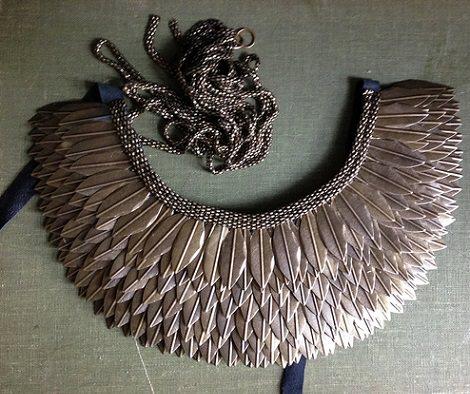 collar étnico con plumas resultado