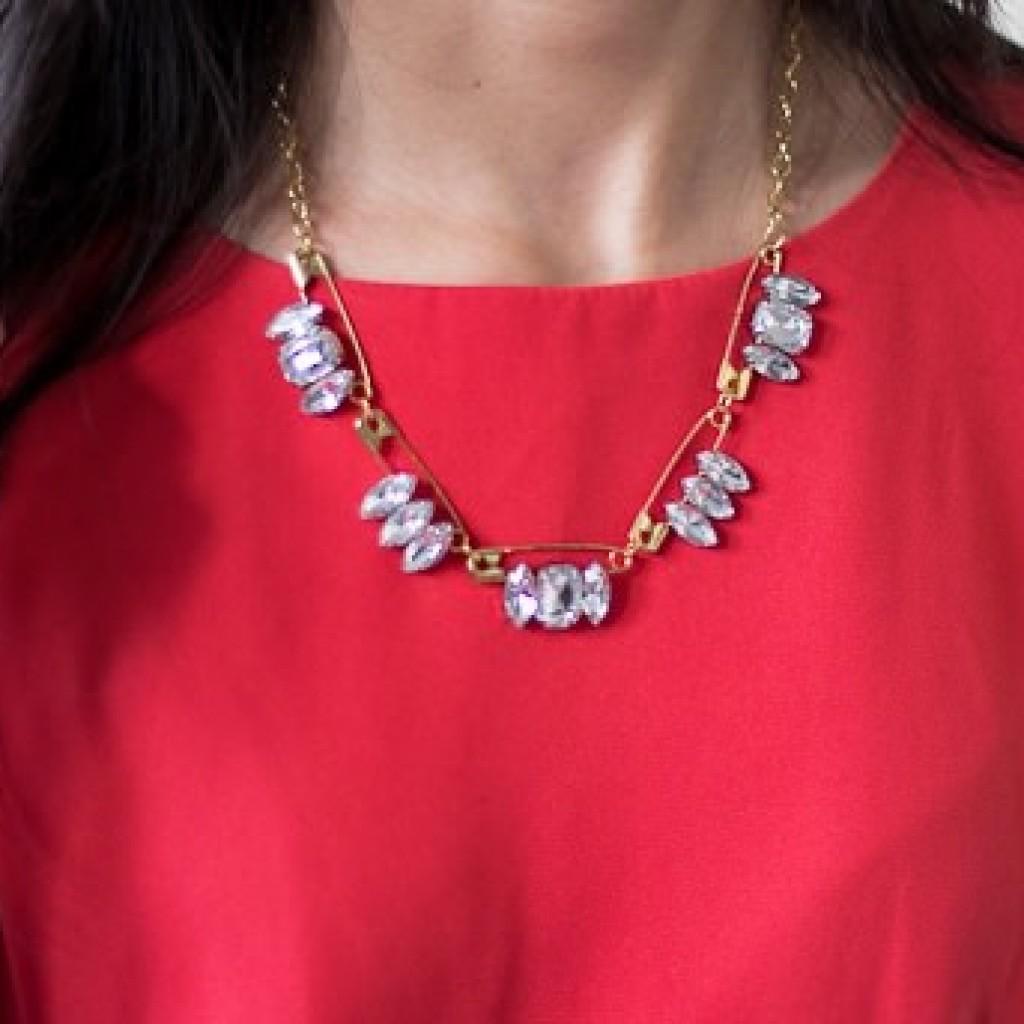 collar-joya-imperdibles-casero-resultado
