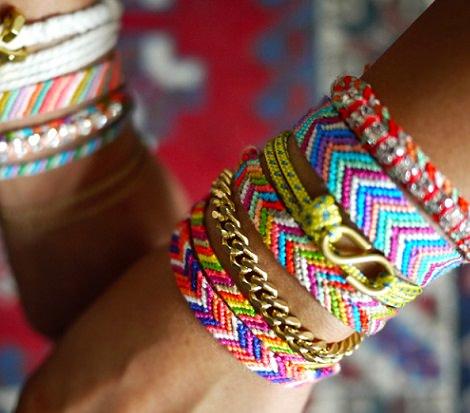 hacer pulseras de hilo de rayas
