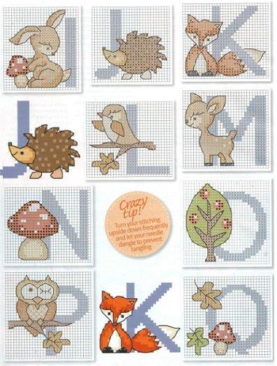 Gráfico de punto de cruz animales alfabeto letras en forma de los cuadros de animales