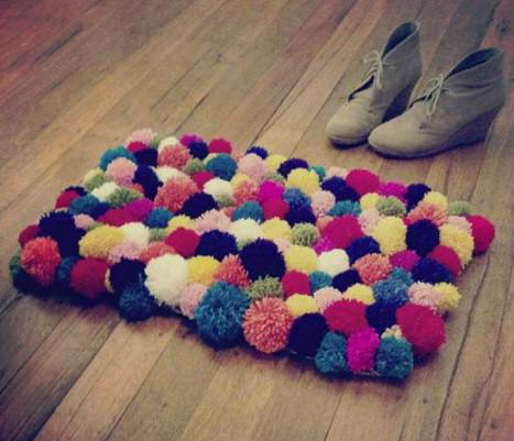 Paso a paso c mo hacer una alfombra de pompones de lana for Lana para hacer alfombras