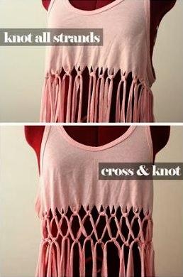 72dc879af6ce9 ... de los flecos hacia una dirección cruzándolos y ve uniendo los nudos  para crear la estructura de rombos que le dará a tu camiseta el aspectotan  chulo ...