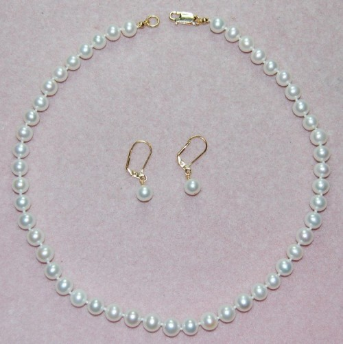8c185cfe5969 Paso a paso  cómo hacer un collar de perlas fácil