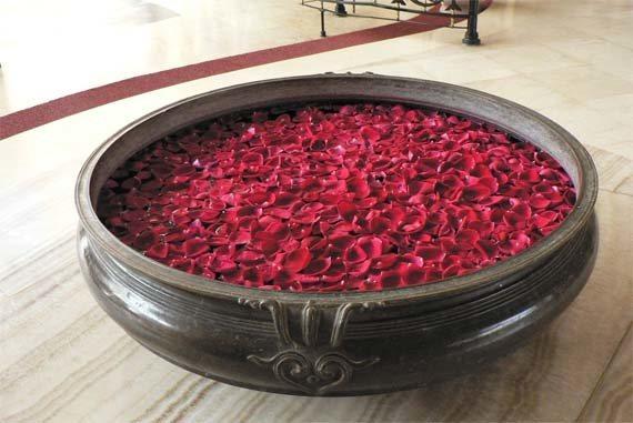 elaborar-agua-de-rosas