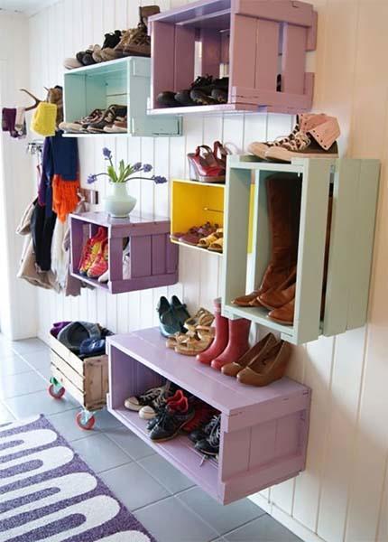 estanteria-con-cajas-de-madera