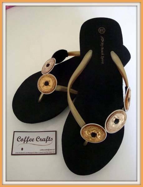 decorar-sandalias-con-capsulas-de-cafe