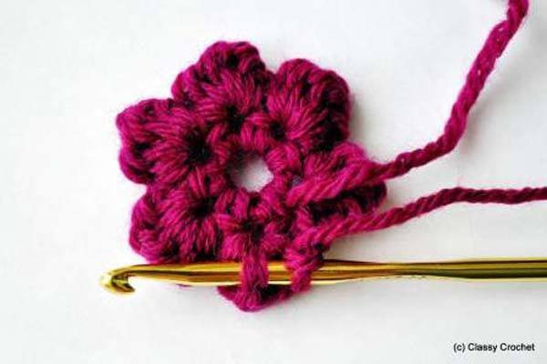 haciendo-flores-a-crochet