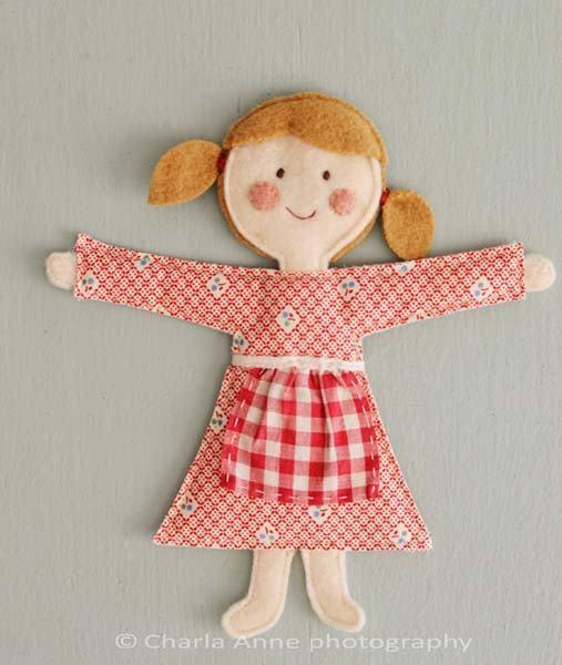 muñeca-hecha-con-fieltro