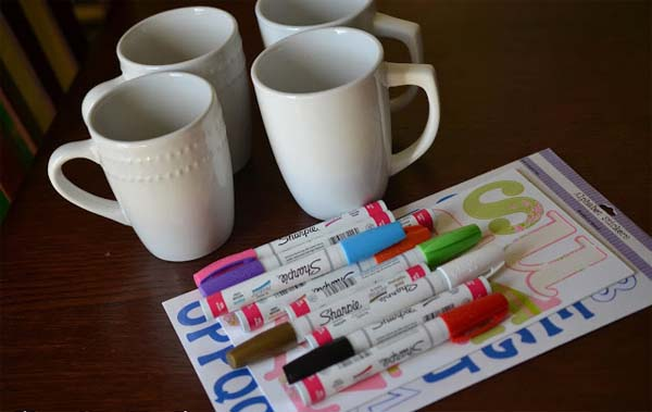 como-pintar-tazas-con-rotuladores