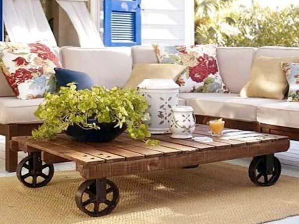 5 ideas de muebles hechos con palets for Como hacer mesa de trabajo con palets