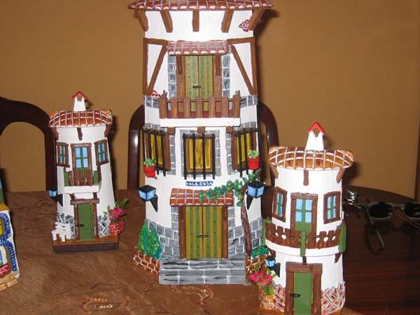 Paso a paso c mo hacer tejas decoradas en relieve for Puertas de tejas decoradas