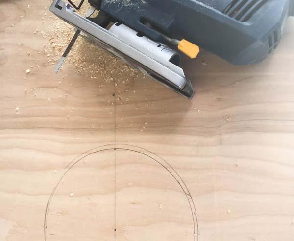 usar-sierra-de-calar-para-mueble-para-perros