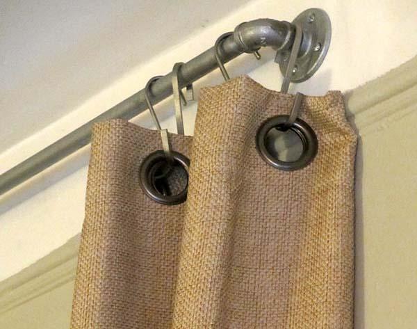 barra-para-cortinas-hecha-con-tuberias